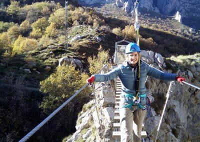 Puente tibetano en Cordiñanes