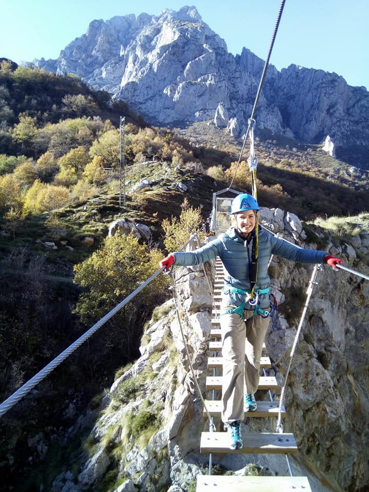 Puente tibetano vía ferrata de Valdeón