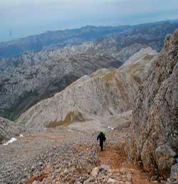 trekking a Peña Castil. Picos de Europa