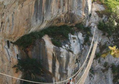 puente tibetano de la via ferrata de La Hermida