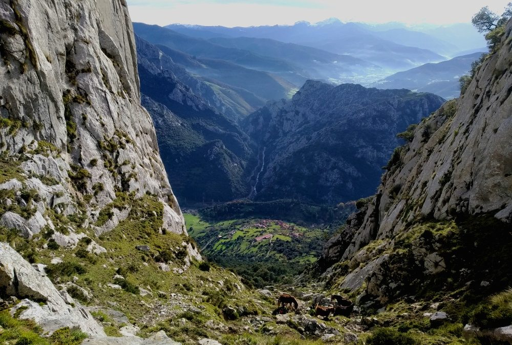 Senderismo en Cantabria: El portal de Liébana