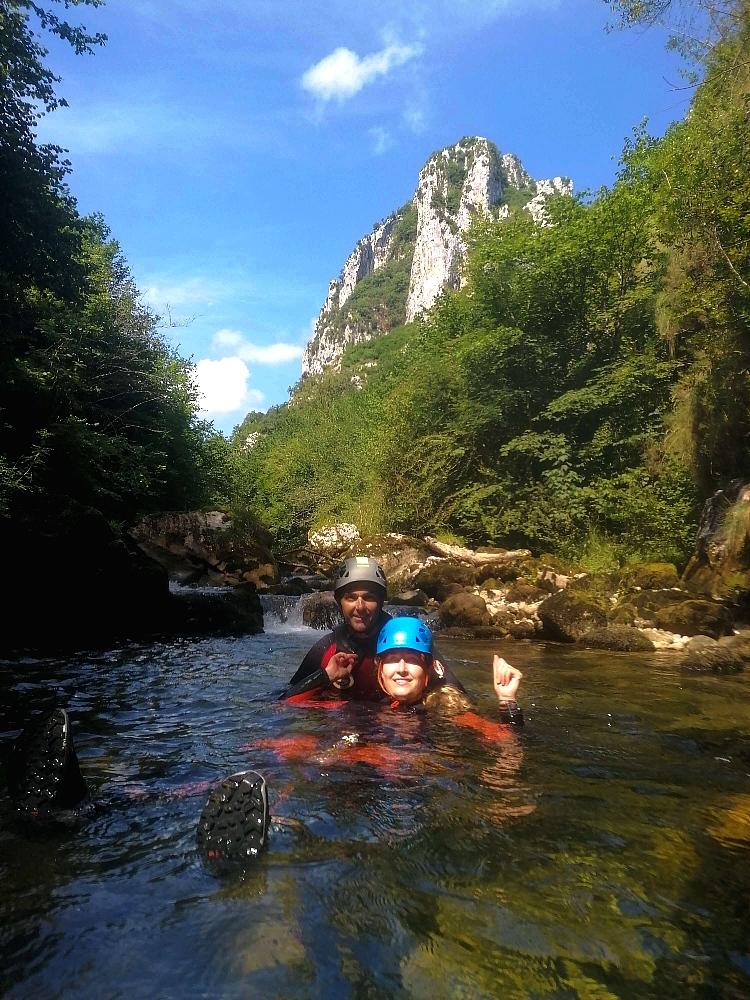 descenso de barrancos en el rio casaño