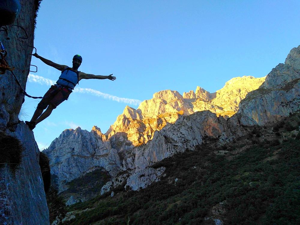 Vía ferrata de Valdeón. Aventura en Picos de Europa